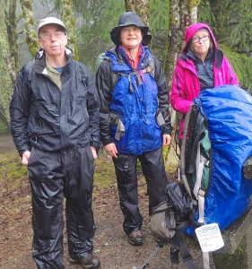 clothes_for_rainy_hiking_peter_stevens